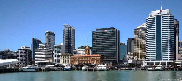 Auckland: Start at Britomart and run alongside Waterfront and Marina (return)