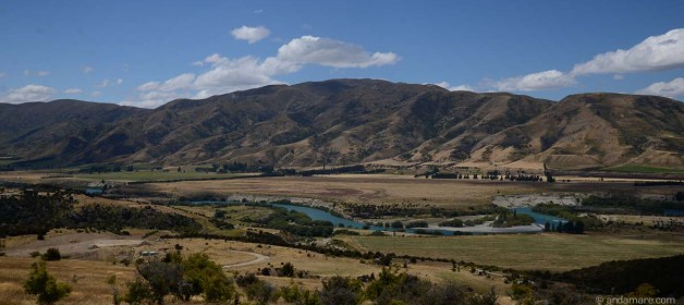 Run the Clutha River Track from Albert Town to Luggate