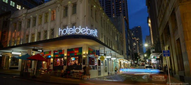 One of Auckland's perfect accommodation down town is the Hotel DeBrett